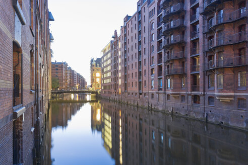 Germany, Hamburg, Warehouses at Wandrahmsfleet in Speicherstadt - MSF003863