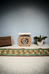 Retro, Scale, Toaster and flower - CN000029