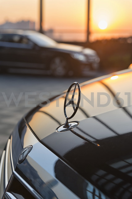 China, Hong Kong, front of a Mercedes in sunset in front of a htoel in downtown Kowloon - SH001255