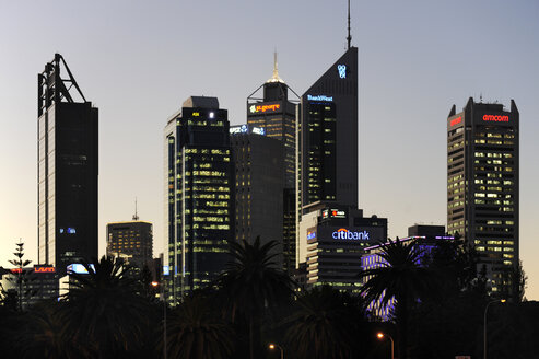 Australia, Perth, central business district, skyscrapers in the evening light - MIZ000523