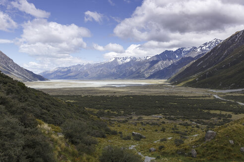New Zealand, view to Mount Cook National Park - STDF000077