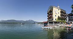 Austria, Salzkammergut, Salzburg State, Lake Wolfgangsee, Hotel Weisses Roessl - WW003253