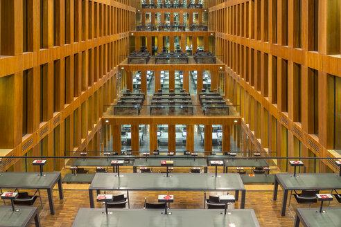 Germany, Berlin, reading room at Jacob-und-Wilhelm-Grimm-Zentrum - NK000103