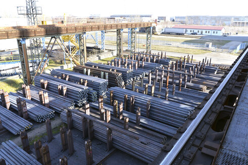Storage of steel for processing in a tube rolling mill - SCH000180