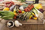 Fresh Mediterranean vegetables - CSTF000348