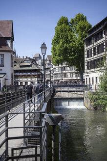 France, Alsace, Strasbourg, La Petite France, Quai des Moulins - SBDF000932