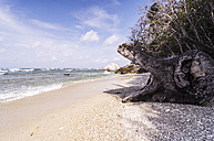 Indonesia, Riau Islands, Bintan, Nikoi Island, View from beach - THAF000354
