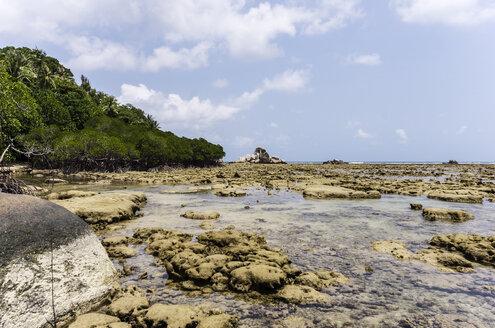 Indonesia, Riau Islands, Bintan, Nikoi Island, Beach with granite blocks - THAF000365