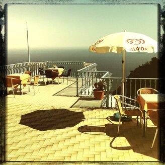 Italy, Campania, Amalfi Coast, Amalfi, Restaurant, Terrace - STE000012