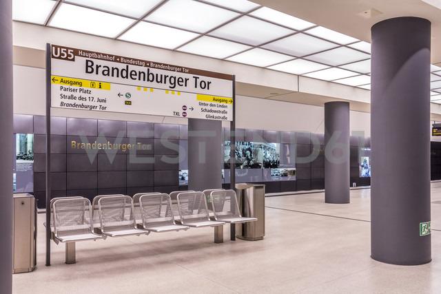 Germany, Berlin, modern architecture of  subway station Brandenburger Tor - NKF000116 - Stefan Kunert/Westend61