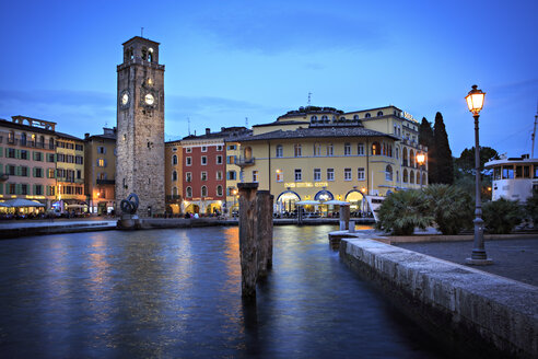 Italy, Trentino-Alto Adige, Riva del Garda, Torre Apponale in the evening - VT000231