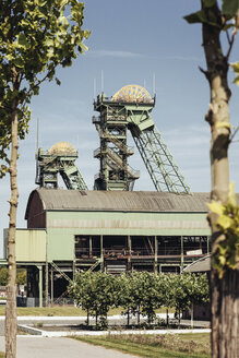 Germany, North Rhine-Westphalia, Ahlen, Headframes of the former Coal Mine Westfalen - MEM000057