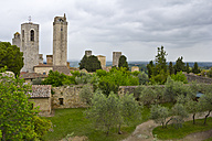Italy, Tuscany, San Gimignano, View from Park to Gender towers - YFF000146