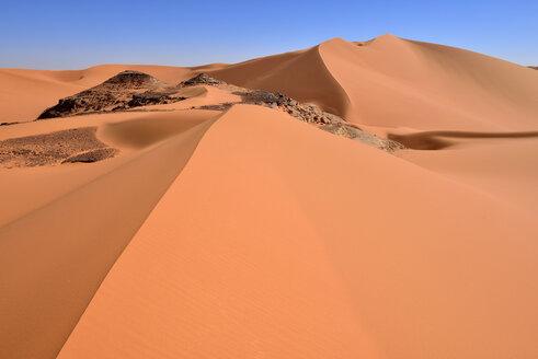 Algeria, Sahara, Tassili N'Ajjer National Park, Sand dunes at Tin Merzouga - ES001162
