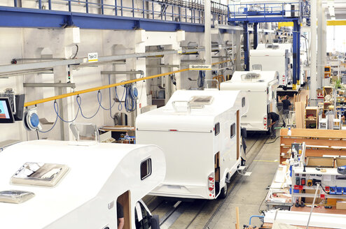 Assembly line production of motorhomes in a factory - SCH000263