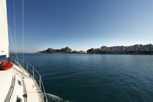 Greece, Ionic Islands, Corfu, view to coast from sailing boat - AJ000046