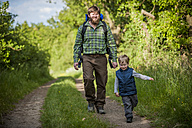 Germany, Rhineland-Palatinate, Moselsteig, father and his little son hiking - PA000700