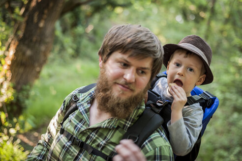 Germany, Rhineland-Palatinate, Moselsteig, portrait of father and his little son hiking - PA000684