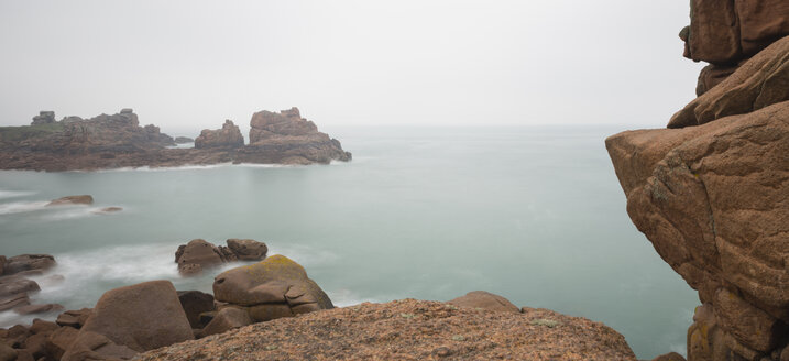 France, Bretagne, Perros-Guirec, Cote de Granit Rose in mist, long exposure - JBF000115
