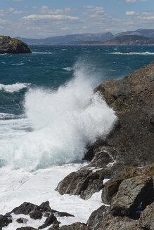 France, Provence Alpes Cote d'Azur, Var, Giens peninsula, breaking wave on rock - JBF000100