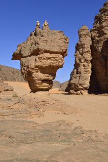 Africa, Algeria, Sahara, Tassili N'Ajjer National Park, Tadrart, Rock monument La Theiere, the Teapot, Immourouden area - ES001170