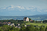Germany, Baden-Wuerttemberg, Constance district, Freudental Castle in front of Appenzell Alps and Saentis - ELF001046