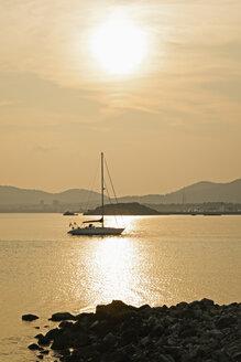 Spain, Majorca, sunset with sailing boat - MEM000170