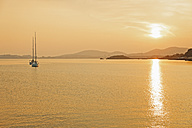 Spain, Majorca, sunset with sailing boat - MEM000172