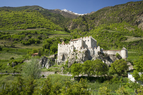 Italy, South Tyrol, Kastelbell-Tschars, Castelbello Castle - MY000315