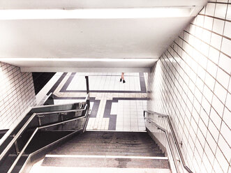 Subway stairs with pretty legs - BMA000036