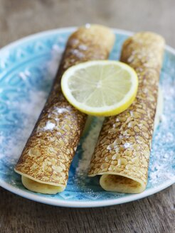 Sugar powdered pancakes with lemon - HAWF000281