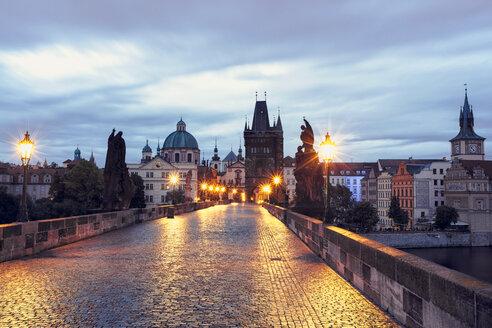 Czech Republic, Prague, Blue hour at Charles Bridge - HCF000033