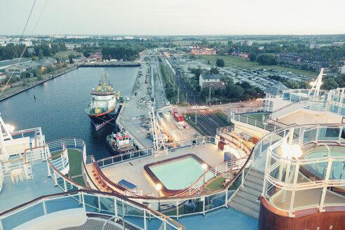 Germany, Cruise ship mooring at the harbour of Warnemuende - MEM000206