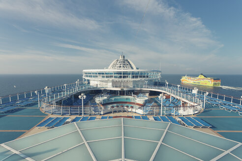 Germany, Baltic Sea, On board of a cruise ship in the morning - MEM000213