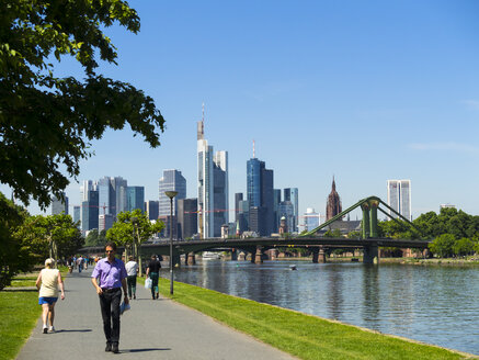 Germany, Hesse, Frankfurt, River Main and skyline of financial district - AM002368