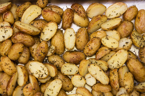 Potatoes with rosemary - SKF001532