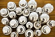 Group of salt shakers - SKF001535