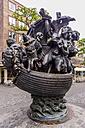 Germany, Bavaria, Nuremberg, Narrenschiffbrunnen - THA000494