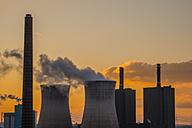 Germany, North Rhine-Westphalia, Duisburg Huettenheim, view Huckingen gas power station by twilight - WGF000317