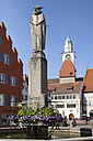 Germany, Baden-Wuerttemberg, Ueberlingen, Hofstatt square with Townhall and St Nicholas' Minster - WIF000792