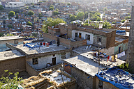 Turkey, Diyarbakir, view to roof tops of multi-family houses, elevated view - SIEF005442