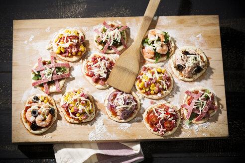 Home made mini pizzas - MAEF008493
