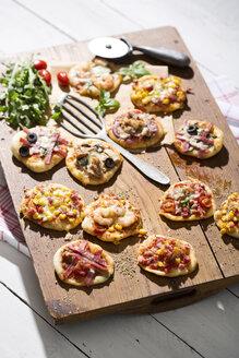 Home made mini pizzas - MAEF008497