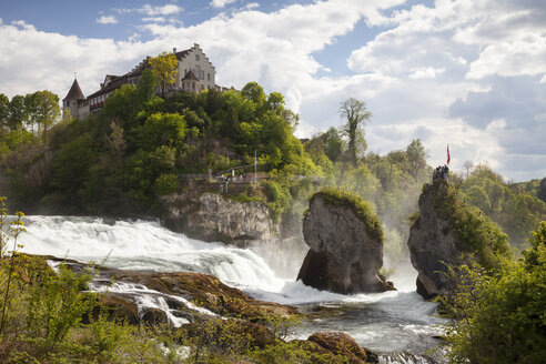 Switzerland, Schaffhausen, Rhine falls with Laufen Castle - WIF000794