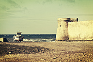 Spain, Andalusia, round tower of a fortress at the sea - MEM000234