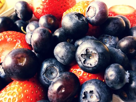 Strawberries and blueberries (Latin Fragaria, Vaccinium) - RIMF000278