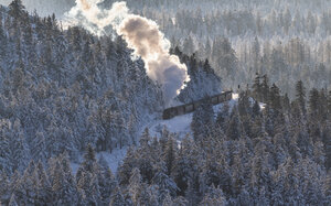 Germany, Saxony-Anhalt, Harz National Park, Brocken, Harz Narrow Gauge Railway in winter - PVC000019