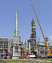 Germany, Saxony-Anhalt, inspection work in an oil refinery - SCH000325