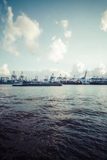 Germany, Hamurg, Container terminal Burchardkai - KRPF000587