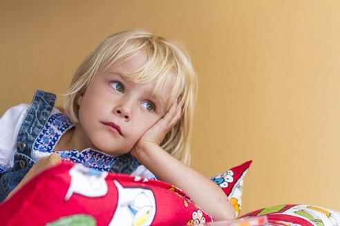 Portrait of sad little girl - JFEF000449